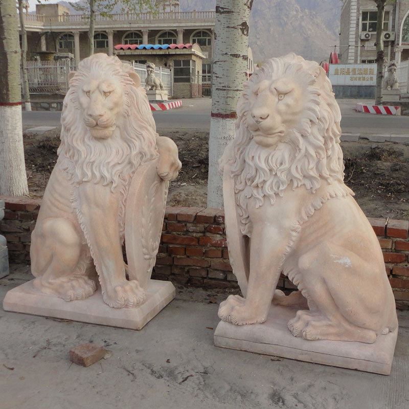 Mild marble lion statue IMG_0850 height 140 cm